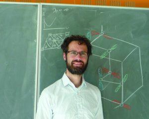 Dr Jasper van Wezel